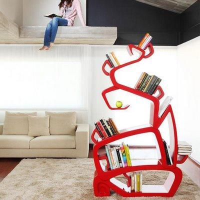 这款书架并没有采用传统的格子造型